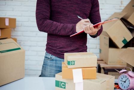 Jak wysłać paczkę zapobraniem nakoszt odbiorcy?