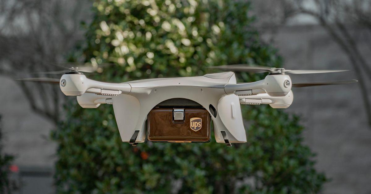 UPS doręczy paczkę dronem