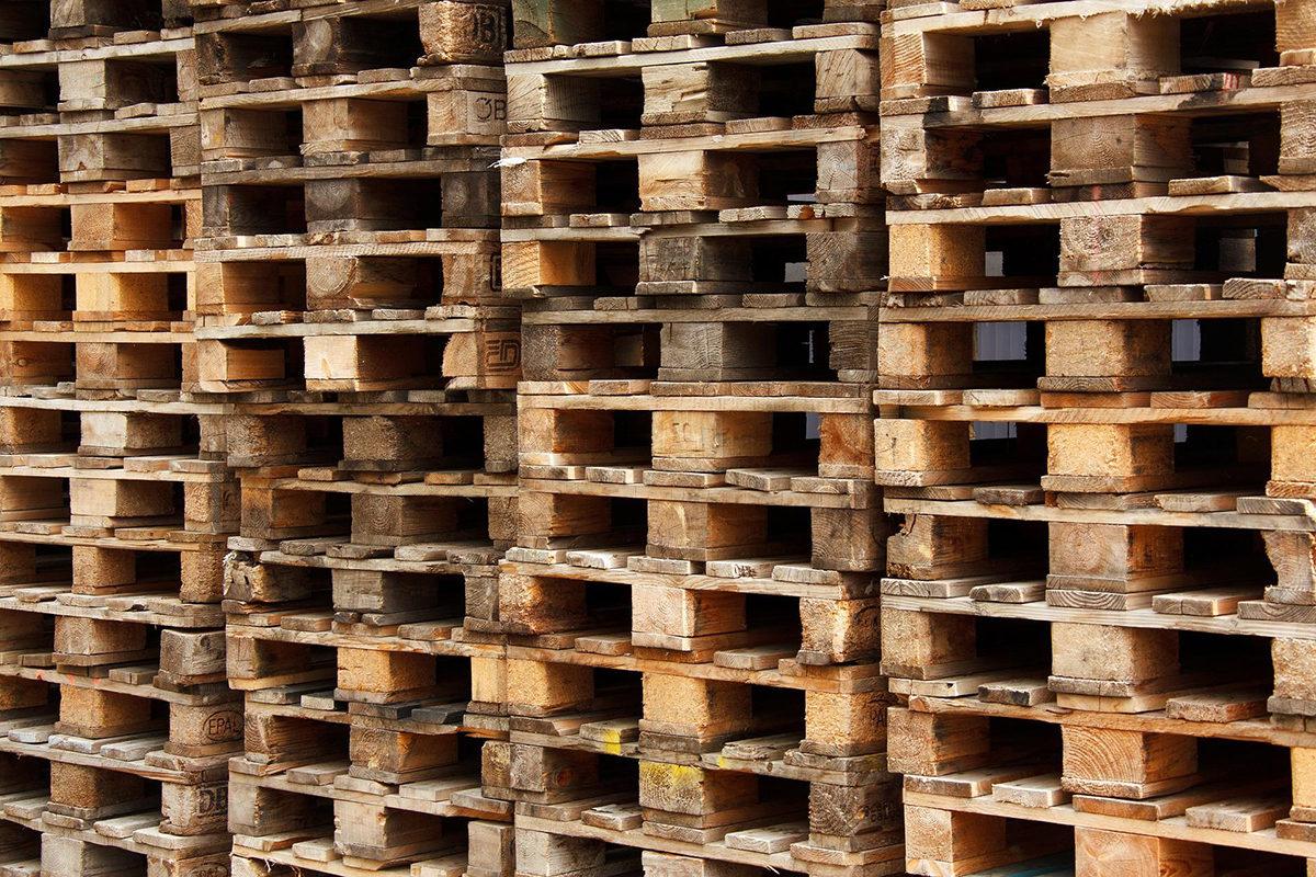 Palety kurierskie – jak przygotować paletę dla kuriera?