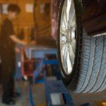 Wymiana opon w warsztacie samochodoym